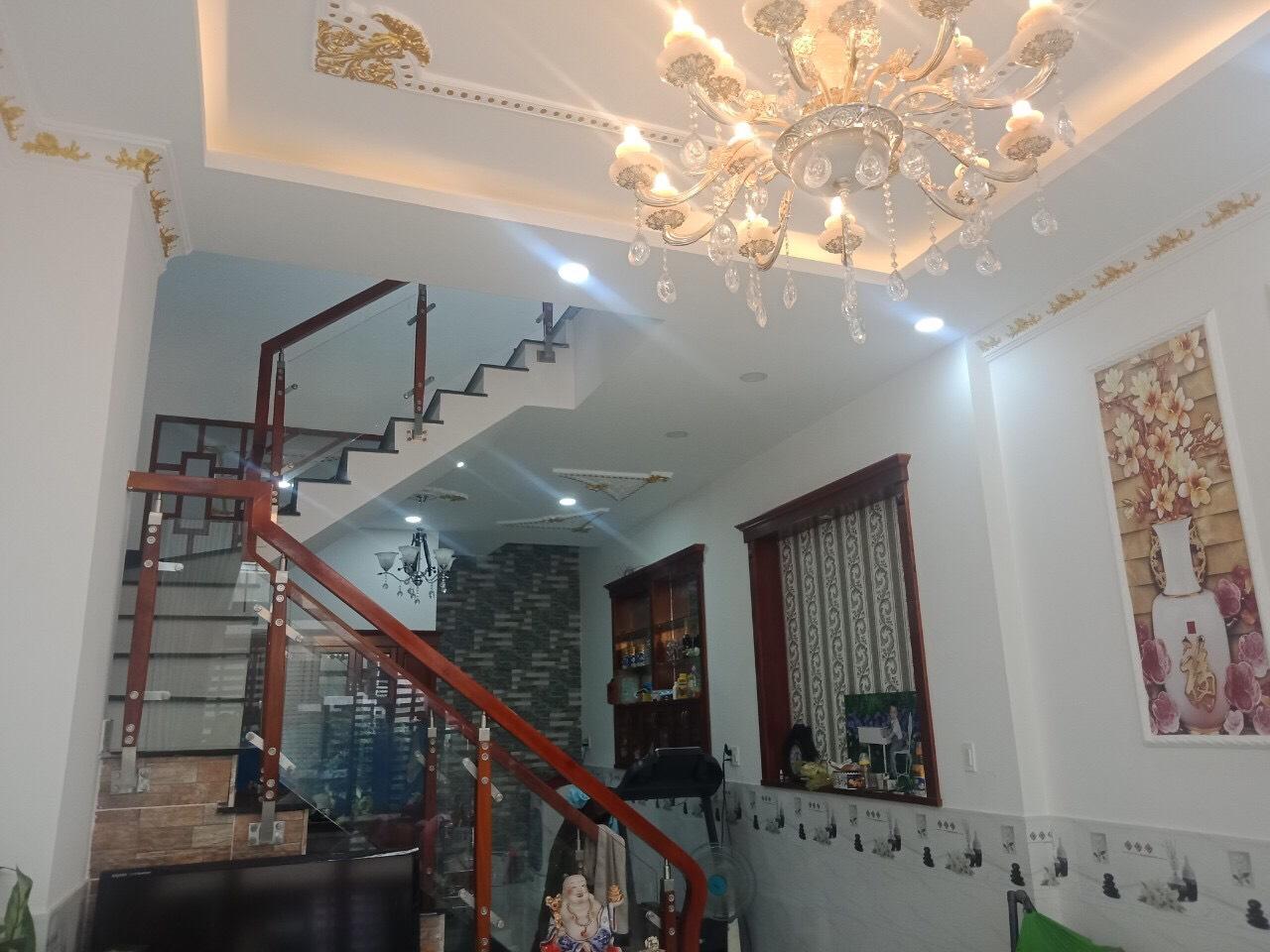 Bán nhà mặt tiền đường 14 Phước Bình giá 3.4 tỷ