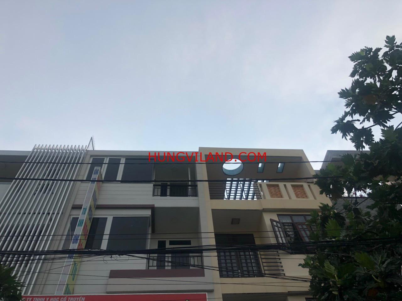 Nhà 3.5 tấm KDC Nam Hòa, 270 Đỗ Xuân Hợp.  Nằm trong khu biệt thự, vị trí kinh doanh buôn bán cho thuê tốt 30 triệu /tháng