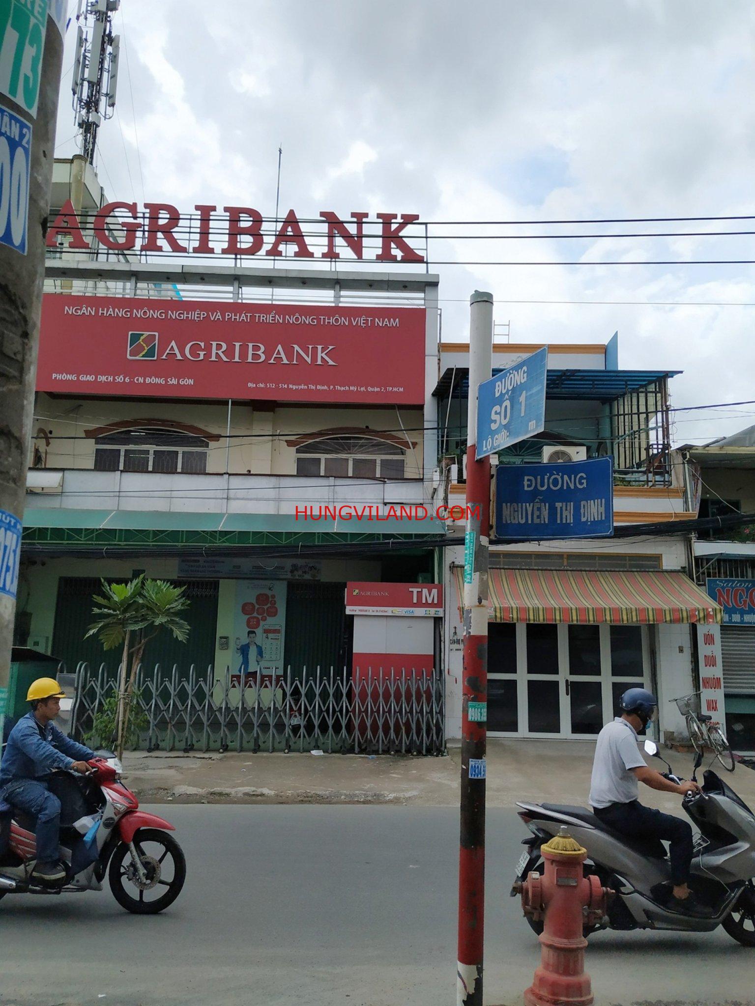 Nhà 122m2 đất mặt tiền đường số 1 Nguyễn Thị Định cần bán gấp. Cách đường chính chỉ 30m, hướng Đông Nam mát mẻ
