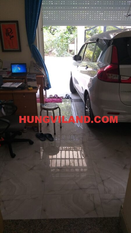 http://hungviland.com/wp-content/uploads/2020/08/z2000613974499_30ed2ea5539a89cda00c8c7163e78488-450x800.jpg
