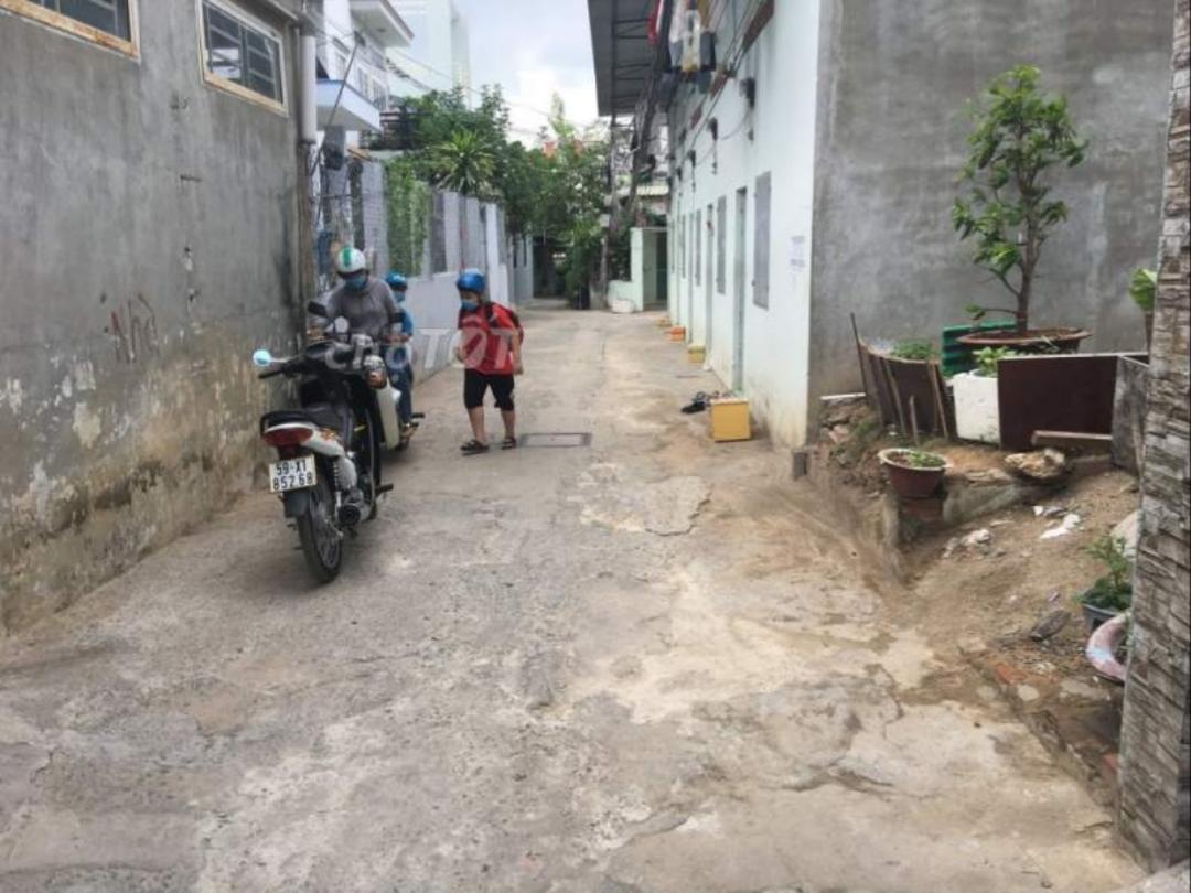 90m2 đất hẻm 23 đường 4 Tăng Nhơn Phú A, thông hẻm 47 Trương Văn Hải giá 3.1 tỷ